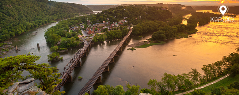 West-Virginia-Harpers-Ferry-National-Historical-Park-shutterstock_146515421.jpg